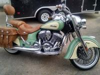 2015 INDIAN CHIEF VINTAGEPRACTICALLY BRAND NEW WITH