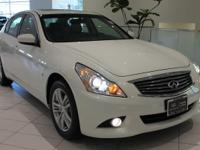 2015 INFINITI Q40 Moonlight White -  CarFax One Owner,