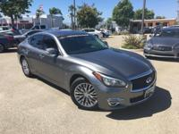 Options:  2015 Infiniti Q70 3.7|Gray|Infiniti