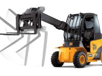 Lift capacity is 7 716 pounds (3 500 kg) and lift