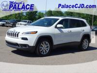 2015 Cherokee Limited **4WD**Navigation/GPS**Rear