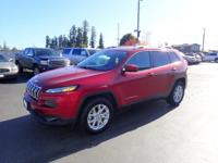This 2015 Jeep Cherokee LATITUDE ALTITU includes a