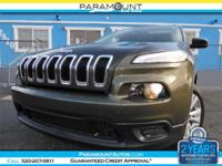 VERY NICE 1-OWNER LIKE NEW 2015 JEEP CHEROKEE SUV WITH