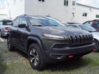 TRAILHAWK!!! CLEAN CARFAX! SELECT MODE 4 WHEEL DRIVE!