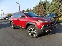 Come see this 2015 Jeep Cherokee Trailhawk. Its