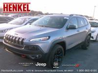 Options:  2015 Jeep Cherokee Trailhawk|Silver|3.2L