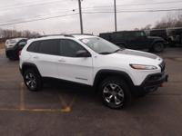 Options:  2015 Jeep Cherokee Trailhawk|White|The