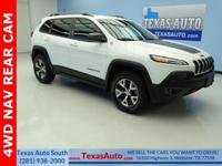 TRAILHAWK-4WD-NAV-REAR CAM-BLUETOOTH-U CONNECT-KEYLESS