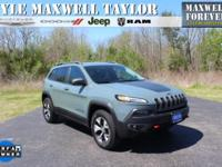 2015 JEEP CHEROKEE TRAILHAWK IN ANVIL CLEARCOAT!!