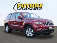 Come see this 2015 Jeep Grand Cherokee LARE. Its