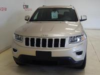 Options:  2015 Jeep Grand Cherokee Laredo 4X4|Features