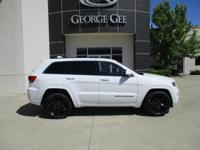New Arrival! *This 2015 Jeep Grand Cherokee Laredo will