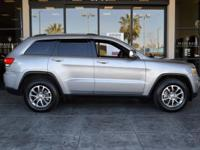 Sharp 2015 Jeep Grand Cherokee LIMITED 4x4 with full