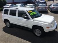 Priced below KBB Retail!!!  This do-it-all SUV is
