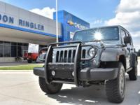 Recent Arrival! Clean CARFAX. Anvil Clearcoat 2015 Jeep