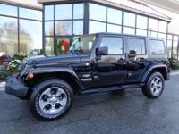 NAV... LEATHER... LOW Miles!! 2015 JEEP Wrangler