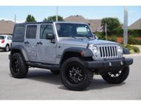 4X4! Right SUV! Right price! This fantastic-looking