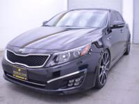 EPA 31 MPG Hwy/20 MPG City! CARFAX 1-Owner. Leather,