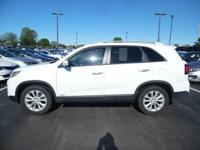 Come see this 2015 Kia Sorento EX. Its Automatic