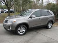 This 2015 Kia Sorento 4dr 2WD 4dr I4 LX features a 2.4L