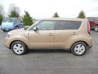 Come see this 2015 Kia Soul Base. Its transmission and