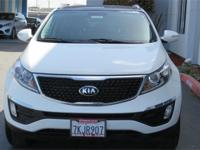 Options:  2015 Kia Sportage Ex|White|Carfax One-Owner.