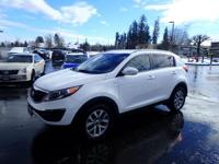 This 2015 Kia Sportage LX boasts features like a CD