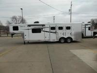 3 Horse Slant All aluminum Horse Trailer, 6 Flush mount