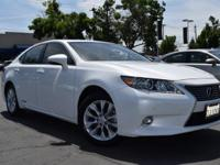 CARFAX One-Owner. Clean CARFAX. WHITE 2015 Lexus ES