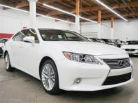 This 2015 Lexus ES 350 4dr . It is equipped with a 6