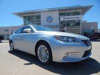 CARFAX One-Owner. Clean CARFAX. 2015 Lexus ES We offer