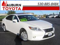 LEATHER, MOON ROOF, LOW MILEAGE! This luxurious 2015