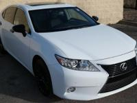 CARFAX 1-Owner. FUEL EFFICIENT 31 MPG Hwy/21 MPG City!