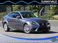 Sunroof/Moonroof, Rear View Camera, One Owner, and