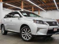 This 2015 Lexus RX 450h 4dr features a 3.5L V6 CYLINDER