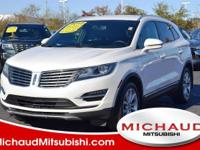 ONE OWNER - AWD - NAVIGATION - HEATED LEATHER SEATS -