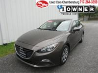 (FTO) Check out this sporty Mazda3! This SKYACTIV-G