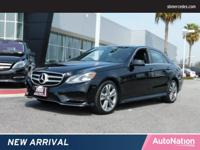 PREMIUM 1 PACKAGE,KEYLESS GO,Sun/Moonroof,Navigation