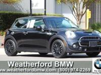 FUEL EFFICIENT 34 MPG Hwy/24 MPG City! CARFAX 1-Owner,