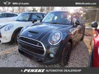 This 2015 MINI Cooper Hardtop 4 Door 4dr 4dr Hatchback