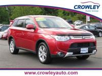 2015 Mitsubishi Outlander SE 4WD in Rally Red. Heated