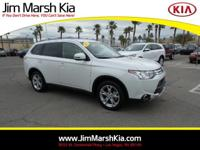 Here is a 2015 Mitsubishi Outlander SE Model with only