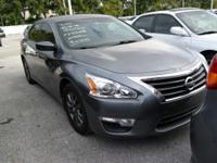 Priced below KBB Fair Purchase Price! 2.5 S FWD CARFAX