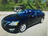 2015 Nissan Altima 2.5 SV, ONE OWNER, CLEAN CARFAX,