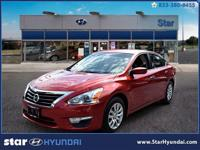 This  2015 Nissan Altima has all you've been looking