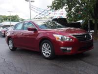 2015 Nissan Altima 2.5 Just Reduced! CARFAX One-Owner.