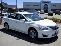 Options:  2015 Nissan Altima 2.5|Climb Inside The 2015