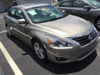 2015 Nissan Altima SV sedan** 38 MPG ** SV **  1 OWNER