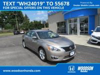 2015 ALTIMA SL Loaded! Navigation ,Leather