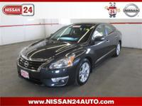 CLEAN CARFAX, NISSAN CERTIFIED, GPS/NAVIGATION,